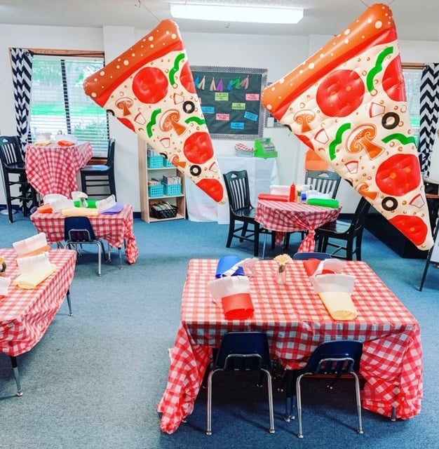 classroom designed to look like a pizzeria